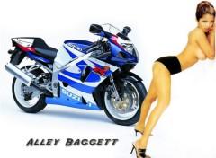 Fonds d'écran Motos Suzuki 750
