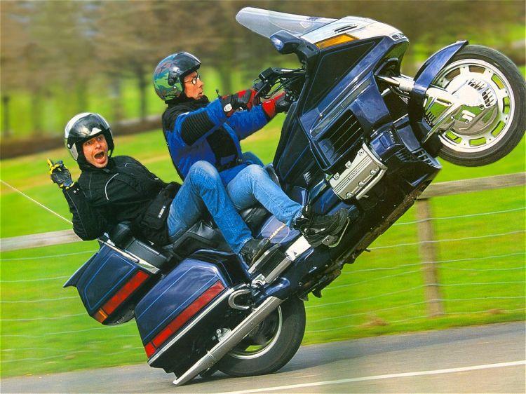 Fonds d'écran Motos Honda GOLDWING