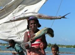 Fonds d'écran Voyages : Afrique Femme vezo 2