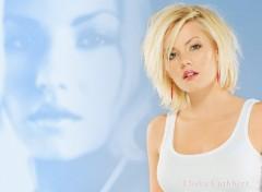 Fonds d'écran Célébrités Femme Elisha Cuthbert Blue