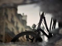 Photos Abstrait - Art une fenetre s'ouvre sur un velo ...