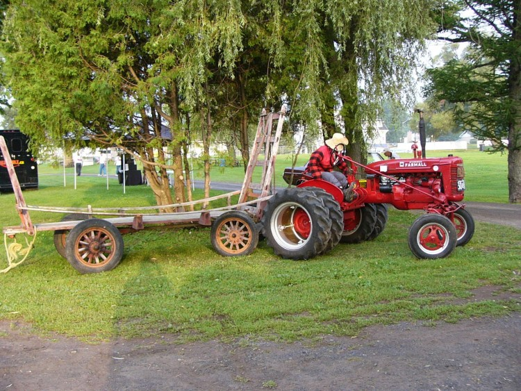 Fonds d'écran Transports divers Tracteurs Voiture de Collection,Québec