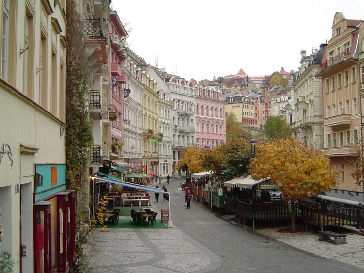 Fonds d'écran Voyages : Europe République Tchèque Rue piétonne de Karlovy Vary