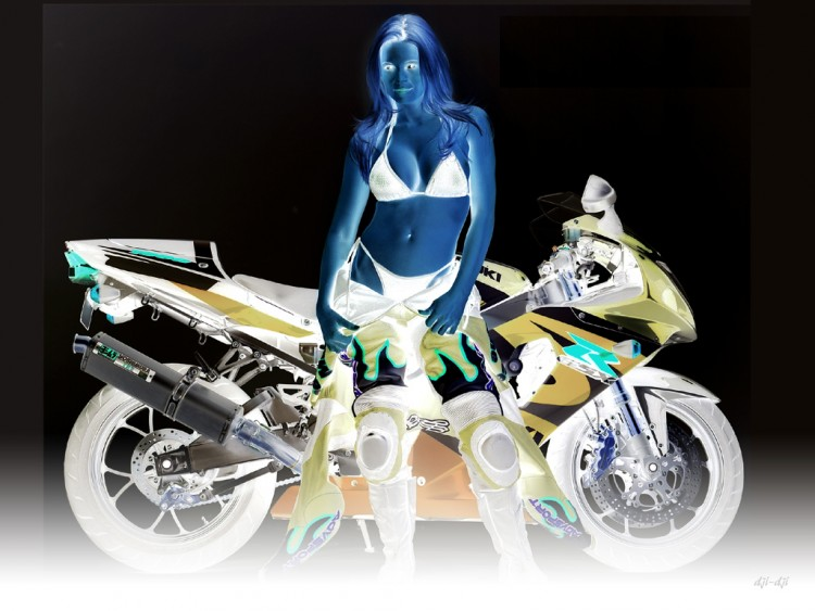 Fonds d'écran Motos Filles et motos 09