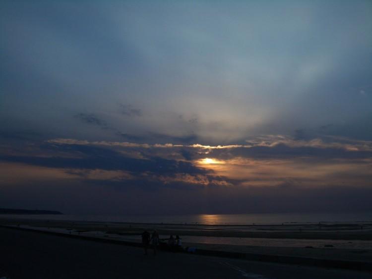 Fonds d'écran Nature Couchers et levers de Soleil Encore un coucher de soleil raté...mais les couleurs sont sympas