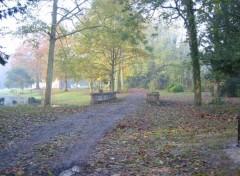 Wallpapers Trips : Europ Remaucourt (02) - Chemin dans le parc du chateau