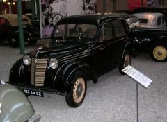 Fonds d'écran Voitures Renault Juvaquatre