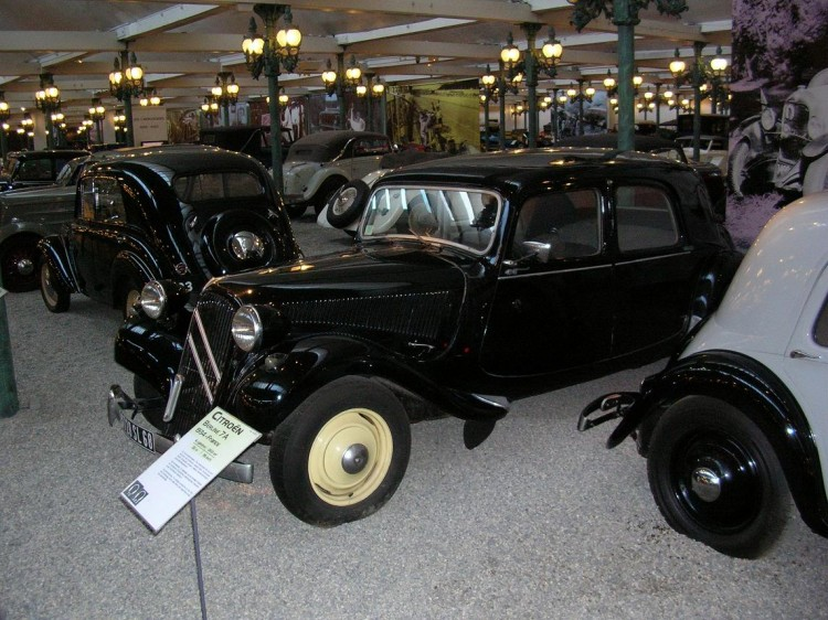 Fonds d'écran Voitures Voitures de collection Citroën traction avant 11 CV