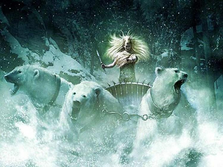 Fonds d'écran Cinéma Le Monde de Narnia: Chapitre 1 - le Lion, la Sorcière Blanche et l'Armoire Magique La sorciere