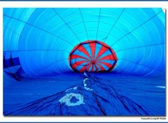 Fonds d'écran Avions Dentro la mongolfiera
