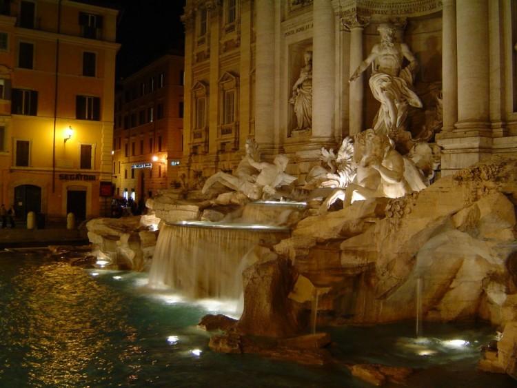 Fonds d'écran Voyages : Europe Italie La Fontana di Trevi, Roma