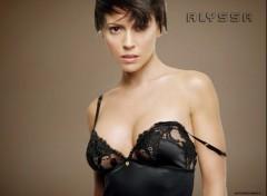 Fonds d'écran Célébrités Femme ALLYSSA NUISETTE