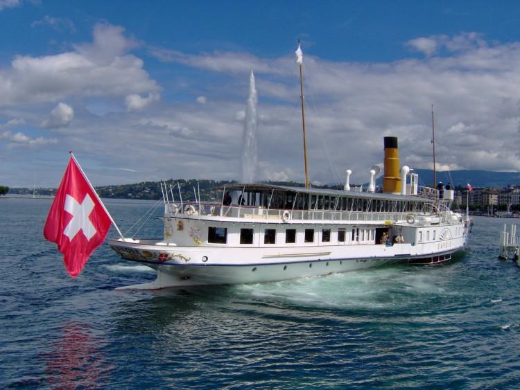 Fonds d'écran Bateaux Divers Un bateau à Genève