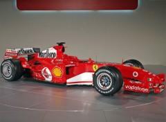 Fonds d'écran Voitures Ferrari F2005