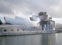Fonds d'écran Voyages : Europe Musée Guggenheim