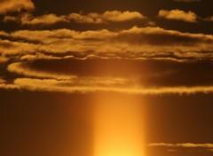 Fonds d'écran Nature Rayon de soleil dans les nuages.