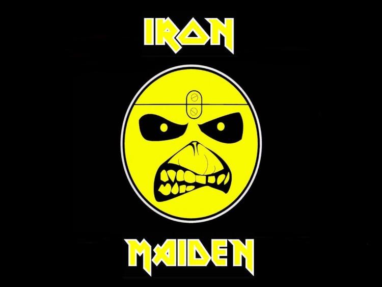 Wallpapers Music Iron Maiden maiden's smile