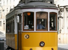 Fonds d'écran Transports divers Tram à Lisbonne