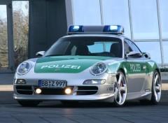 Fonds d'écran Voitures Porsche 911 TechArt de police