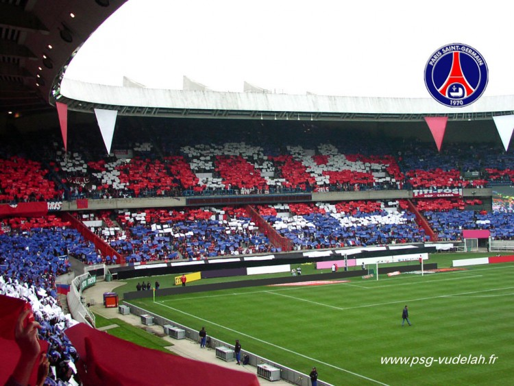 Fonds d'écran Sports - Loisirs PSG Paris Saint Germain Tifo tribune Boulogne