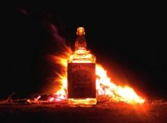 Fonds d'écran Objets Jack Daniel's in fire