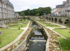 Fonds d'écran Voyages : Europe Parc chateau  Hermines à Vannes