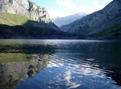 Fonds d'écran Nature Plan d'eau dans les Alpes