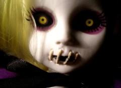Fonds d'écran Objets Living Dead Dolls-Siren