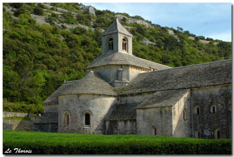 Fonds d'écran Voyages : Europe France > Provence-Alpes-Côte d'Azur Abbaye Notre-Dame de Sénanque