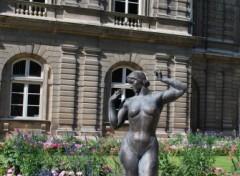Fonds d'écran Constructions et architecture Statue dans le jardin du Luxembourg