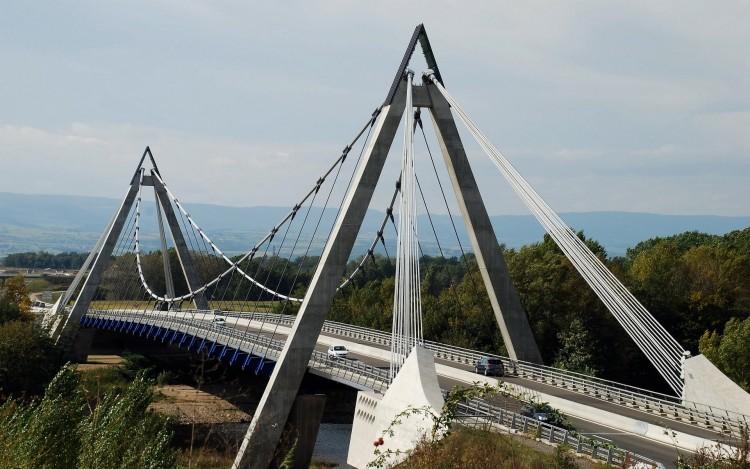 Fonds d'écran Constructions et architecture Ponts - Aqueducs Grand pont ;Loire 42