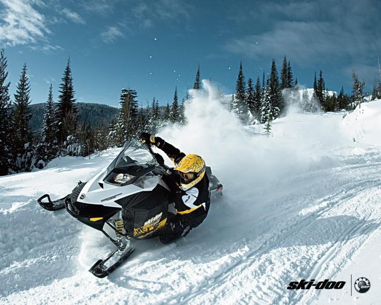 Fonds d'écran Motos Motoneige Ski-Doo MXZ 2011