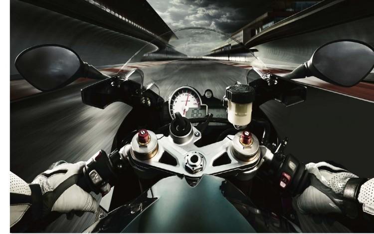 Fonds d'écran Motos BMW s1000RR on Board