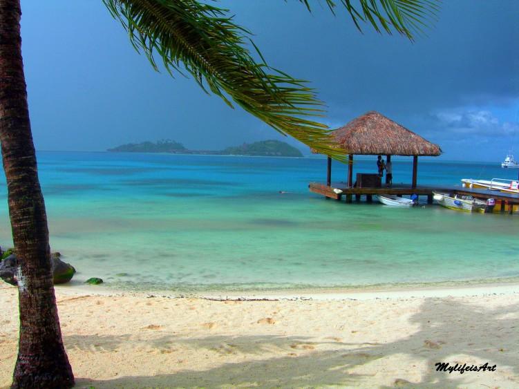 Fonds d'écran Voyages : Océanie Tahiti Tempête à Bara bora