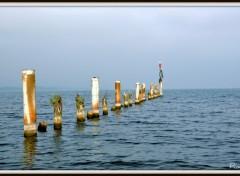 Fonds d'écran Constructions et architecture Vestige sur lac...