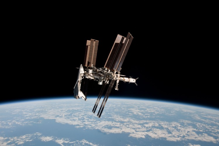 Wallpapers Space Miscellaneous Endeavour + ISS