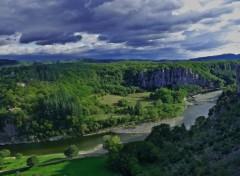 Fonds d'écran Nature Panorama ardéchois entre Balazuc et le village réhabilité du Viel Audon