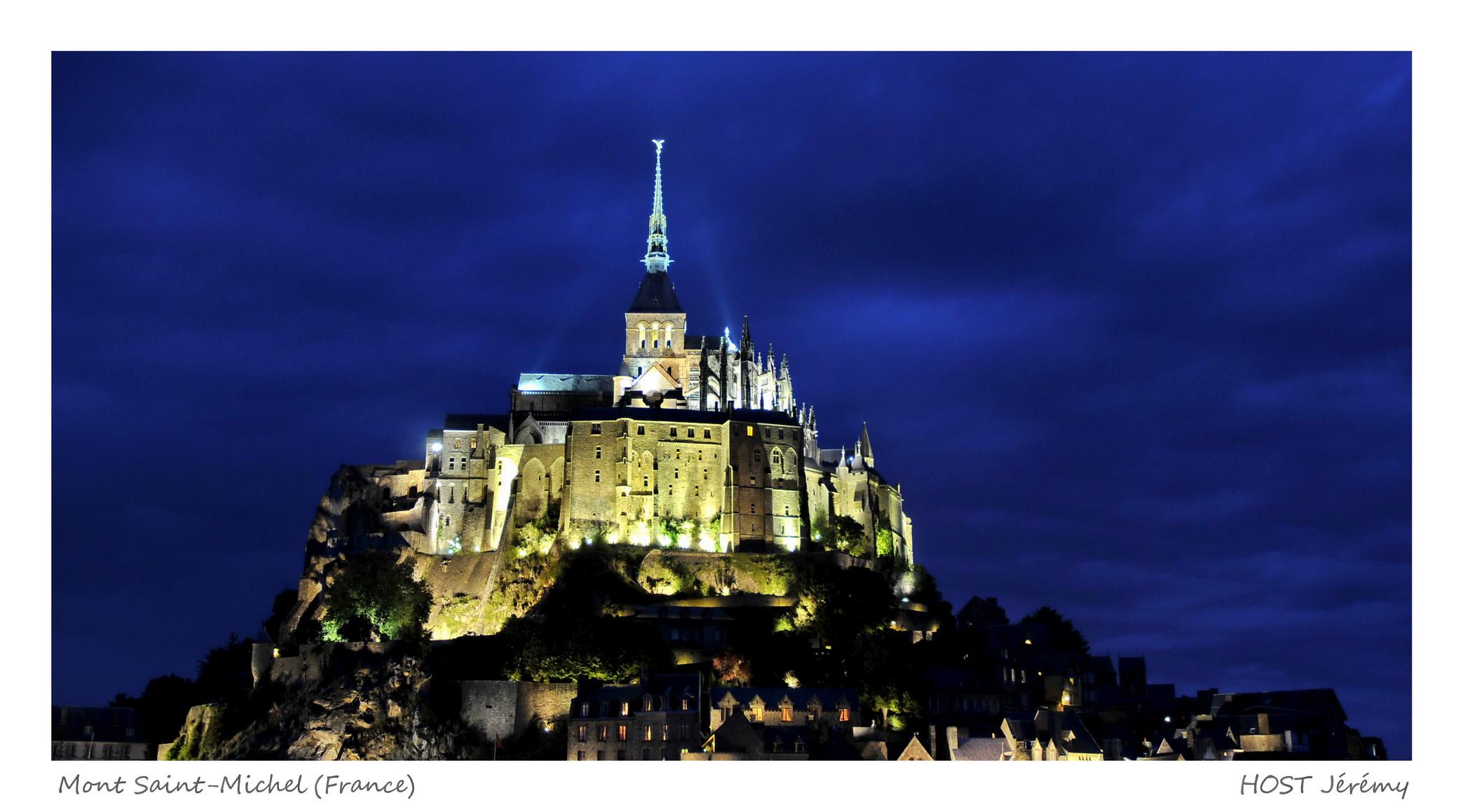 Fonds d'écran Voyages : Europe France > Bretagne Mont Saint-Michel (Nuit)
