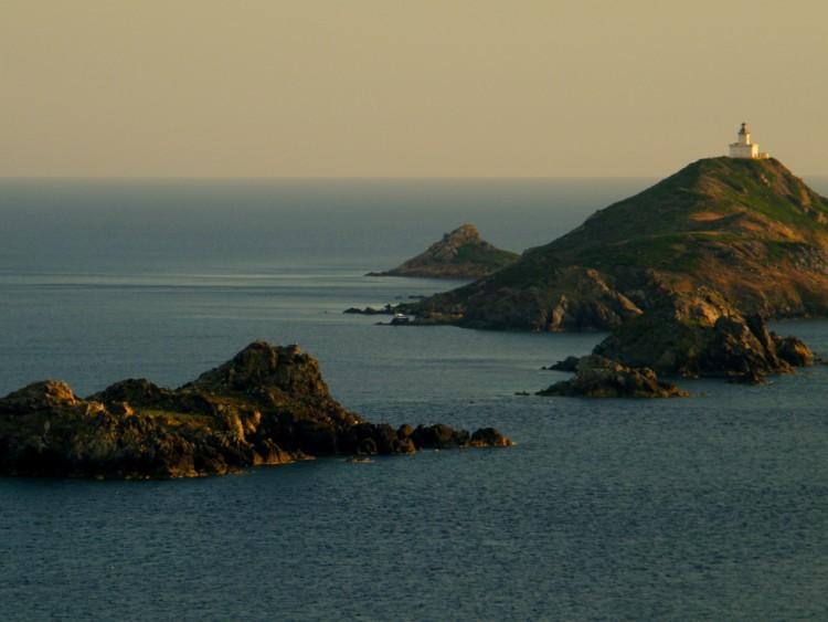 Wallpapers Trips : Europ France > Corsica les îles sanguinaires