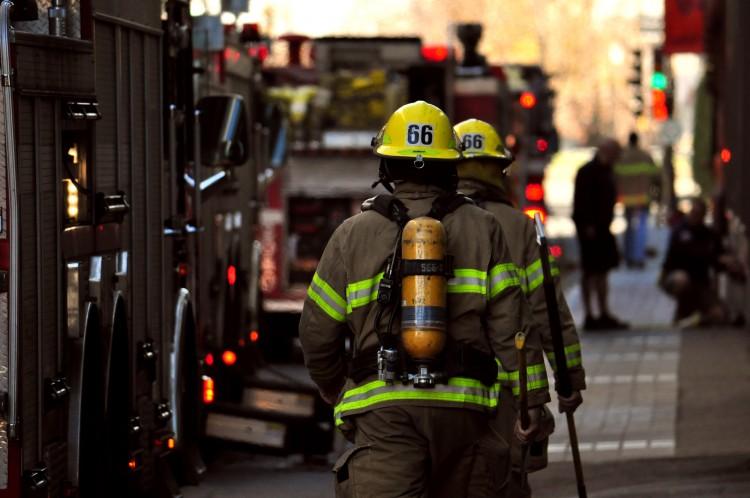 Fonds d'écran Hommes - Evênements Pompiers - Incendies Vie Quotidienne