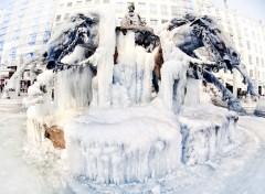 Fonds d'écran Voyages : Europe Etre de glace et de métal