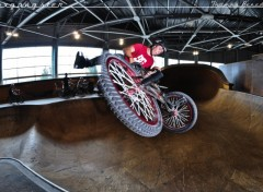 Fonds d'écran Sports - Loisirs bmxgangster team - thomas benedetti