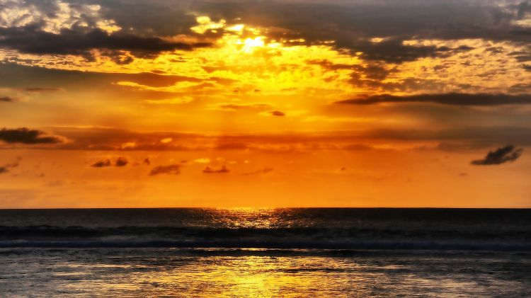 Wallpapers Trips : Africa Reunion Gold on the sea...
