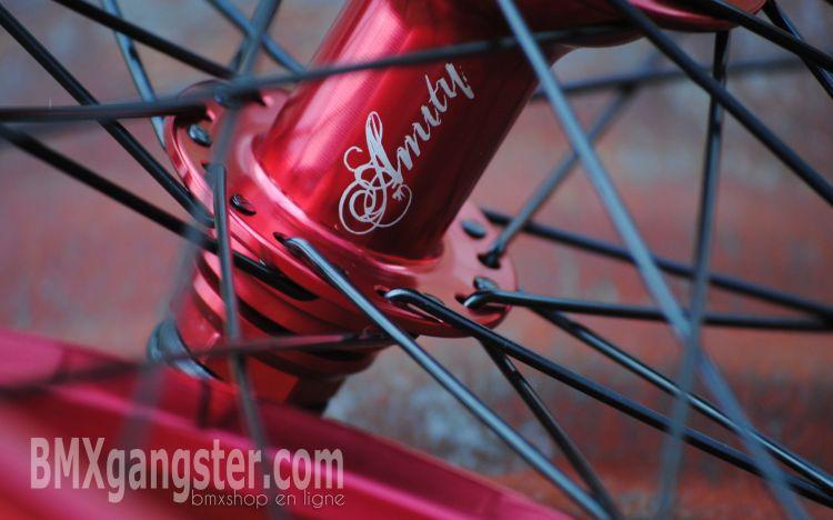 Fonds d'écran Sports - Loisirs BMX bmxgangster-roue-amity