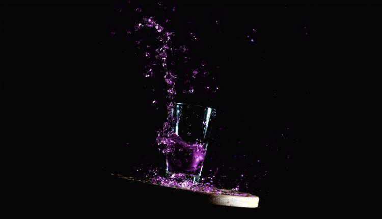 Fonds d'écran Objets Boissons - Alcool Splash