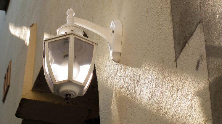 Wallpapers Constructions and architecture Lamps Eclairé par le soleil