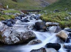 Nature cascade dans les pyrenées