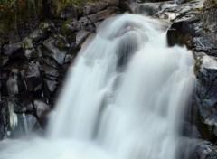 Nature cascade pyrénées