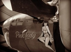 Avions B17 Pink Lady  et sa jeep