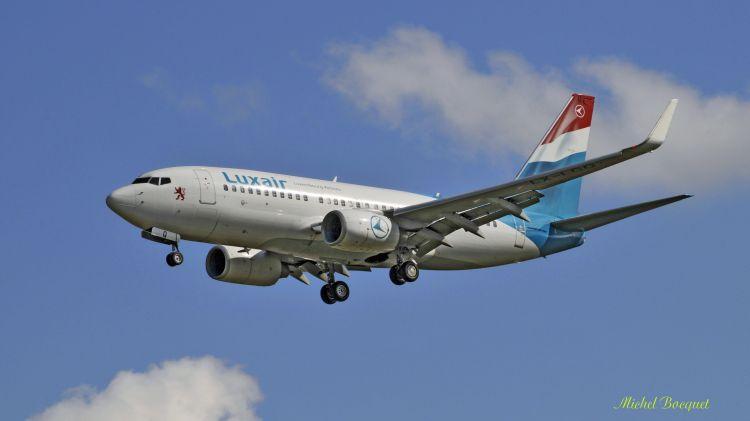 Fonds d'écran Avions Avions de ligne Avion depuis l'aéroport de Lesquin (59)